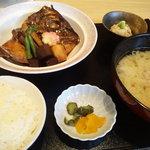 9578834 - 料理人が作る煮魚はうまい!