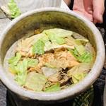 祇園びとら、 - 鮭と大徳シメジの土鍋炊き込みご飯 トリュフの香りをつけた卵 雑魚山椒 シジミ佃煮 牛時雨煮