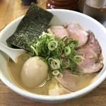 麺や 福一 - 豚骨  味玉チャーシュー麺
