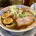 サバ6製麺所 - サバ節と醤油  このスープ うまい♪ 味玉おすすめ