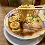 サバ6製麺所 - 太麺が合う