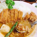 リッチなカレーの店 アサノ - カレースープの中のお肉も美味♪♪