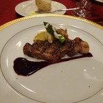 ムッシュ - メインはシチリア豚のネロとグリル野菜