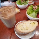 DECO - パン+サラダ+ドリンクセット