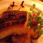 酒房食堂 dish - 真鯛のソテー ベルモット風味のクリームソース