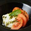 ミア・アンジェラ - 料理写真:イタリア産ブッラータチーズのカプレーゼ