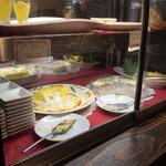 カレー&ビュッフェ アンナプルナ - 内観。デザートのコーナーその2