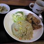 リトルチャイナ - 鶏肉の唐揚げ+チャーハン セット  700円