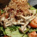 呂龍 - 色々なキノコのサラダ