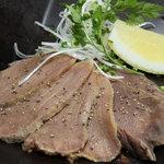 呂龍 - 真空調理で作った牛タン煮