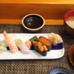 玄海鮨 - 松にぎり  セットの貝汁とサービスの茶碗蒸し