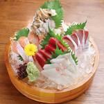 大漁市場 魚ます -