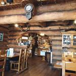 小さな森の喫茶店 レストラン ワイルドダック - 店内