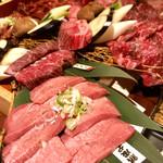 匠家33 - 熟成肉十種盛り合わせ