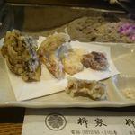 柳家 - 天ぷら(松茸ときのこいろいろ)
