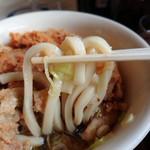 山田うどん - 25日018年10月 麺持ち上げ