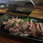 卸)南越谷食肉センター極 - ハラミたたき
