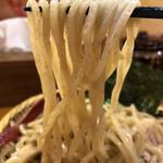 95816530 - 全粒粉もツルツルの全粒粉太麺