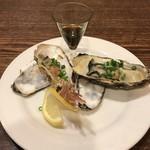 鶴べ別館 - 生牡蠣/2個       ¥540