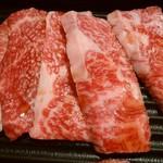 焼肉 黄金の牛 - カルビ・ロースセット