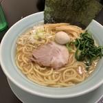 ちとせ家 - 料理写真:濃厚豚骨醤油 大 830円
