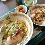 タイ国料理 ゲウチャイ - バミーヘーンのセット