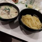 ラーメン哲史 - 牡蠣のクリームつけ麺・牡蠣&帆立増し