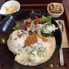プラナス - 料理写真:チーズ入りメンチカツ 〜魚介のクリームソース   1,230円