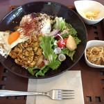 プラナス - とりひき肉のガパオライス  1,230円