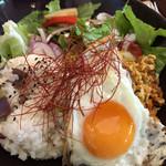 プラナス - とりひき肉のガパオライス