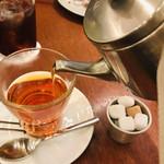 カフェ&ブックス ビブリオテーク - ラフランスの香りがほのかに香る