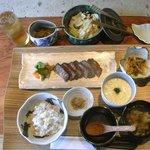 山荘 暖炉 DANRO - DANRO 牛たん炭火焼の膳
