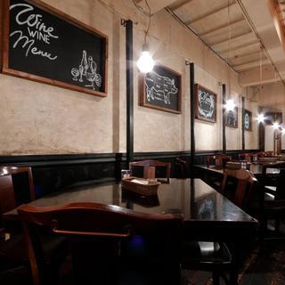 お食事やワイン会など大テーブル席