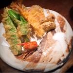 95866547 - 天ぷら(車海老一尾、季節野菜)