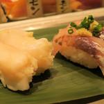 寿司 魚がし日本一 - あじ100円、つぶ貝100円