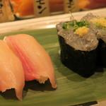 寿司 魚がし日本一 - 生しらす125円、かんぱち150円