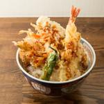 麺麺麺 - 料理写真:器から飛び出る天ぷら達