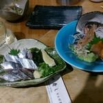 喜多郎寿し - サンマ刺しと赤貝刺し