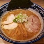秋葉原つけ麺 油そば 楽 - 醤油らーめん 780円