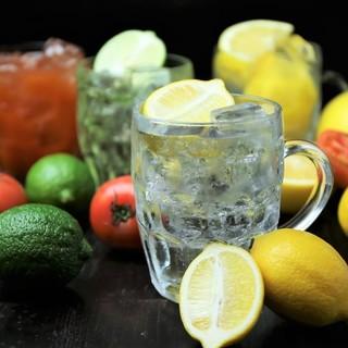 炭酸はじける超爽快な自家製レモンフィズ