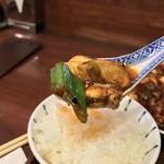 中国菜 オイル - 中華菜 オイル(大阪府大阪市福島区福島)四川麻婆豆腐ランチ(小皿・スープ・ご飯付)