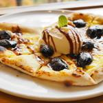 エン カフェ - スイーツピザより花豆のピザ