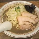 95888875 - 濃厚煮干しそば大!麺は多過ぎたかな。スープや黒くドロドr。煮干しの香りはキツくはない。