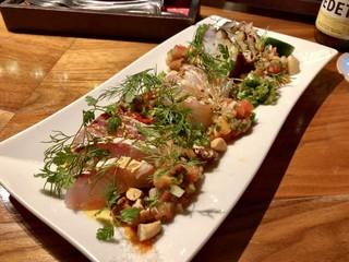フィッシュ グラウンド - カルパッチョ盛合せ:佐島の活地蛸 大分の天然カンパチ 長崎のヒゲダラ2