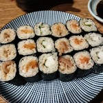 ヒノマル食堂 - 巻き寿司 イカの塩辛420円、明太子&数の子580円、山芋&梅しそ380円