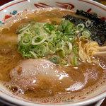 あじゅち屋 - 「中華麺 熟成(こってり味)」650円。
