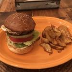 ペペキッチン - ハンバーガー+目玉焼き