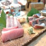 ふじ本 - 料理写真:寒ブリ、新さんまのお作り