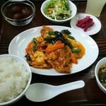 中国料理 桃花園 - 豚肉ときくらげの玉子辛し炒めランチ