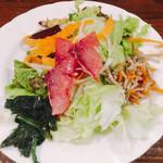 一汁三菜イタリア~の - ブリのカルパッチョサラダ 野菜もりもりバランス良い